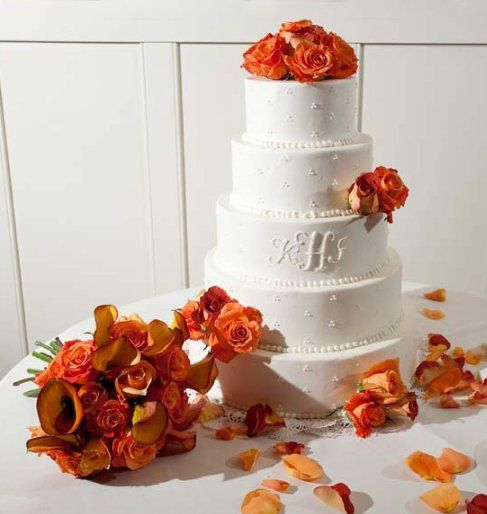 BrophyCakewithBouquet
