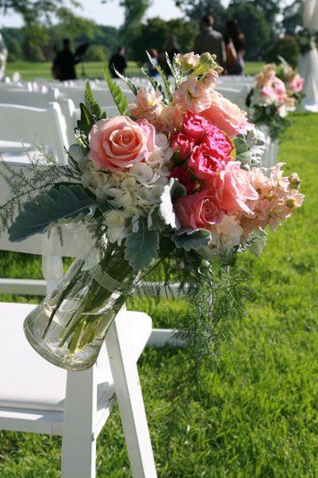 studio in bloom flowers eldersburg md weddingwire. Black Bedroom Furniture Sets. Home Design Ideas