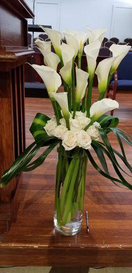 Simple White Callas & Roses