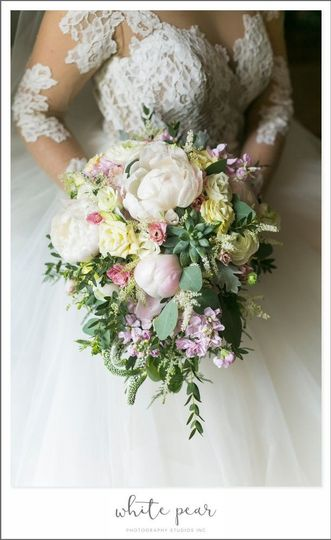 800x800 1518964743 acb2d6d31d2c9411 1518964742 202e4cd72deefb25 1518964743417 1 bride bouquet