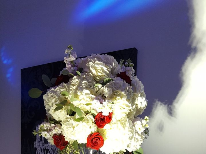 Tmx 1521566030 Fadfe0d92e9db8e1 1521566026 14ec737d3d9d304f 1521566027871 1 20170926 191101 Holbrook, NY wedding florist
