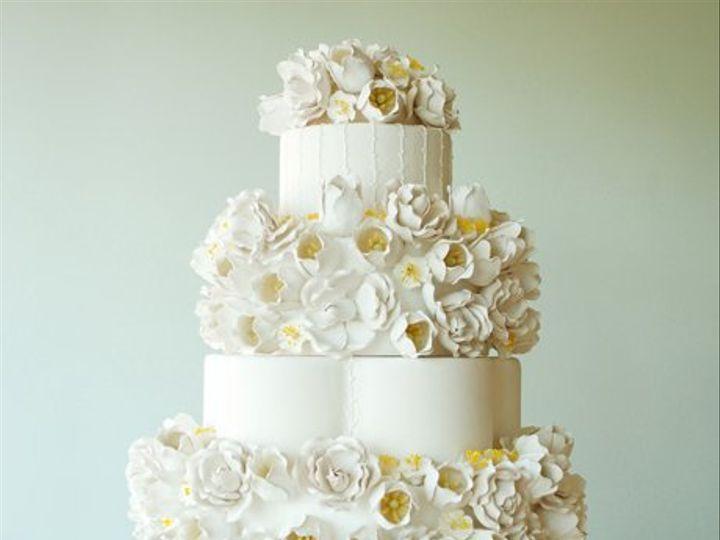 Tmx 1349477549419 Duffwhiteyelloww West Hollywood wedding cake
