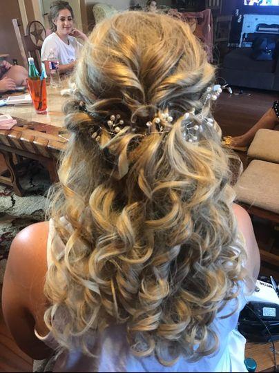 Textured curls 1/2 updo
