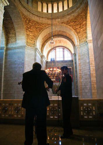 Violin Duet at the Capitol