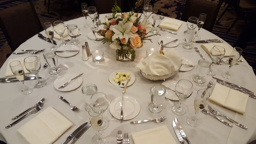 800x800 1510598658757 table setting.jpg2
