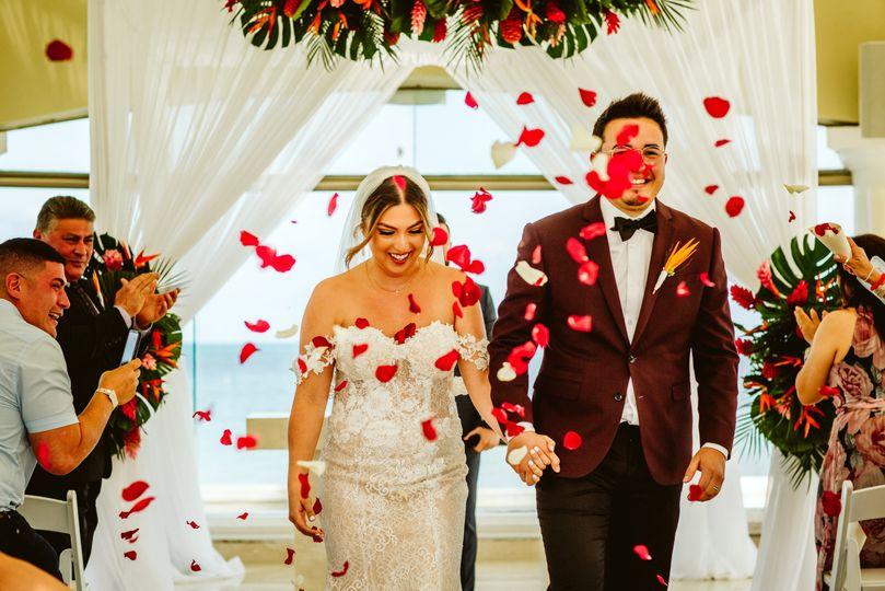 carlos and carisa newlyweds 51 1554853 161090795535422