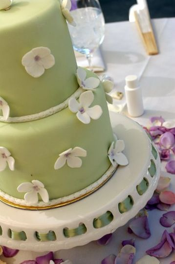 Table Top Cake - Photo: Deb Laver Studios