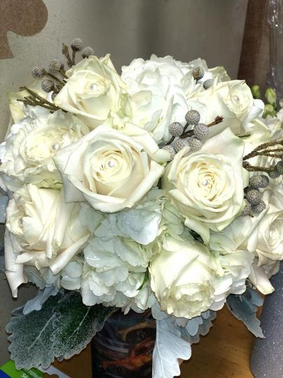 White rose and brunia