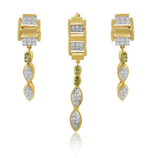 Gold and diamonds set