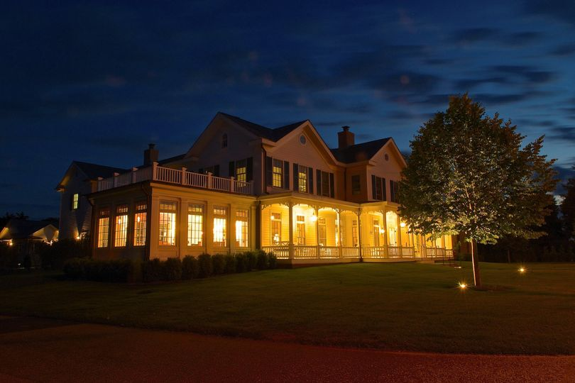 Come visit us at The Quogue Club for a luxurious Hamptons getaway.