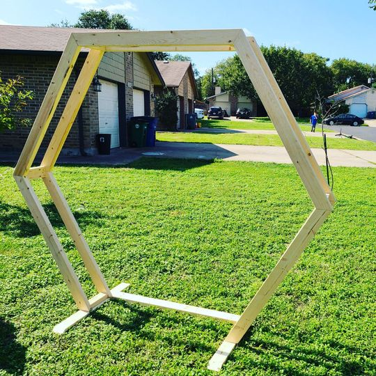 Hexagonal arbor –stain coming