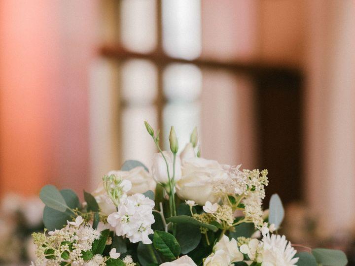 Tmx Brennabryantwedding177of198 51 930953 157401718761955 Grand Rapids, Michigan wedding florist