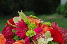 Distinctive Designs Floral