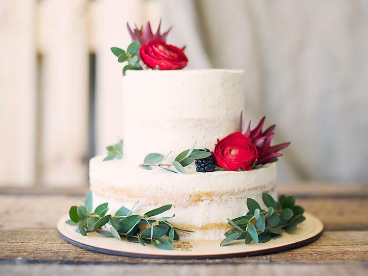 Tmx Twigs Flowers And Gifts Arrangement Cake 51 1016953 V1 Encinitas, CA wedding florist