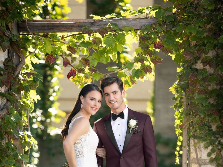 Tmx 201 Burgundy Empire Tuxedo 19 51 1947953 159137318370955 Bastrop, TX wedding dress