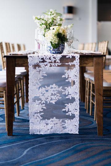 Lace cloth