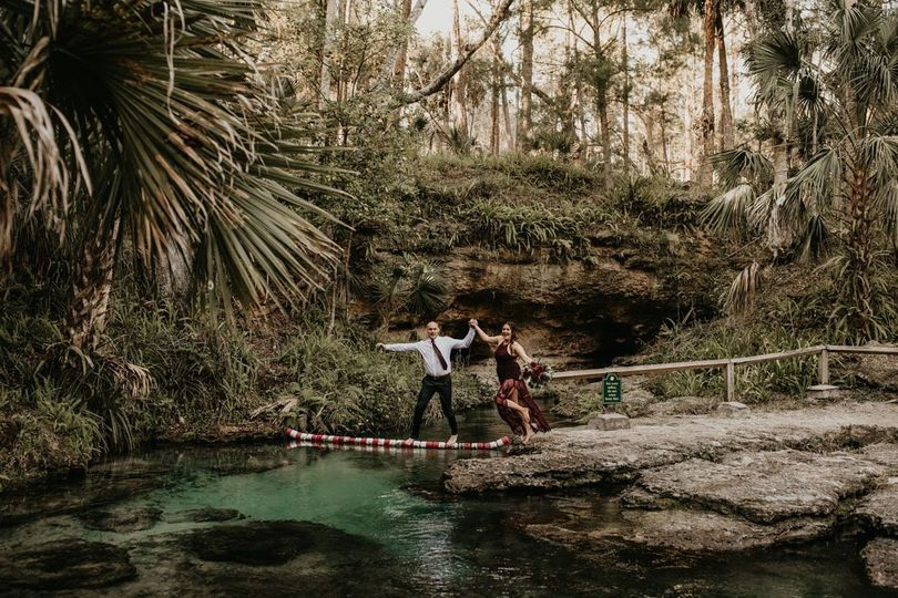 kelly park rock springs florida engagement session melissa and daniel151 51 998953 1556737379