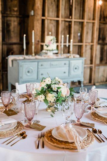 Cake/Table setting.