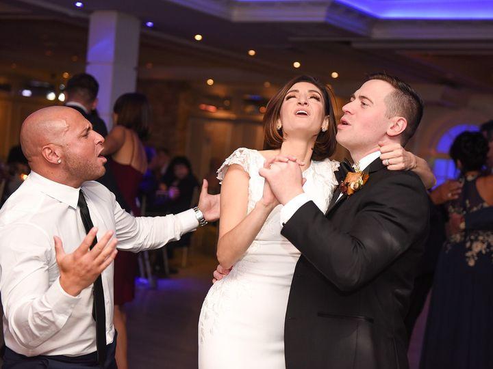 Tmx Bride And Groom Singing 51 1989953 160200762784188 Oakdale, NY wedding dj