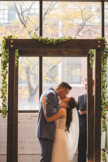 A passionate kiss - Stephen Falbo Photography