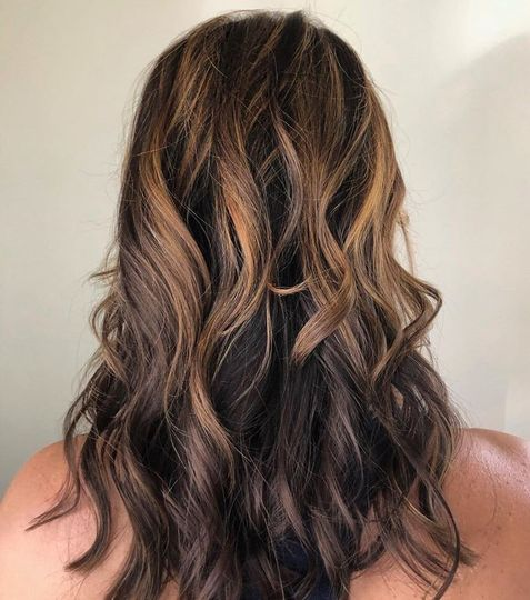 Flowing brunette curls