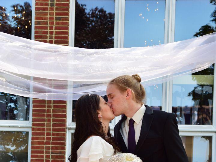Tmx 5 51 1865063 158300517834810 Lancaster, NY wedding photography