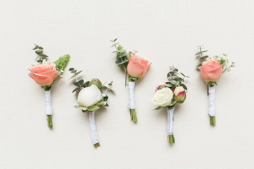 May boutonnieres courtesy Lauren Dobish Photography.
