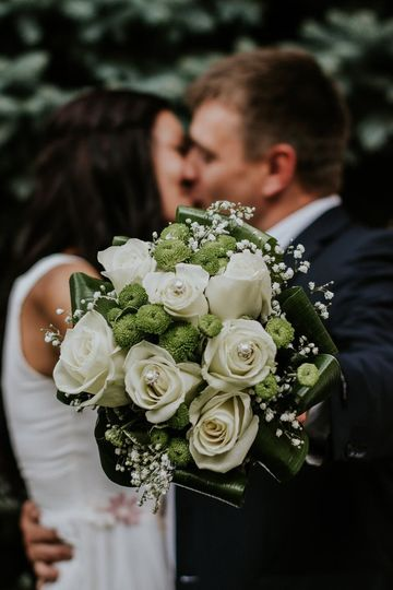 Newlywed's first kiss