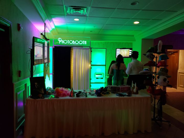 LED Enclosed Style Photo Booth