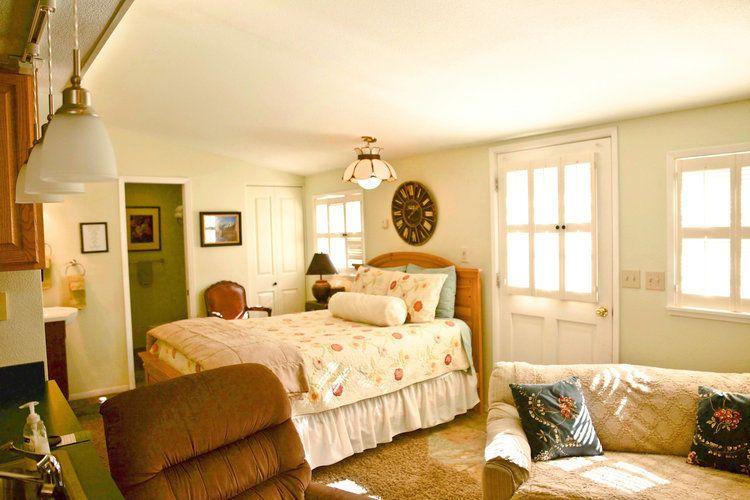 White house Inn Genoa suite