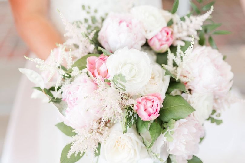 Green Bee Floral Bouquet