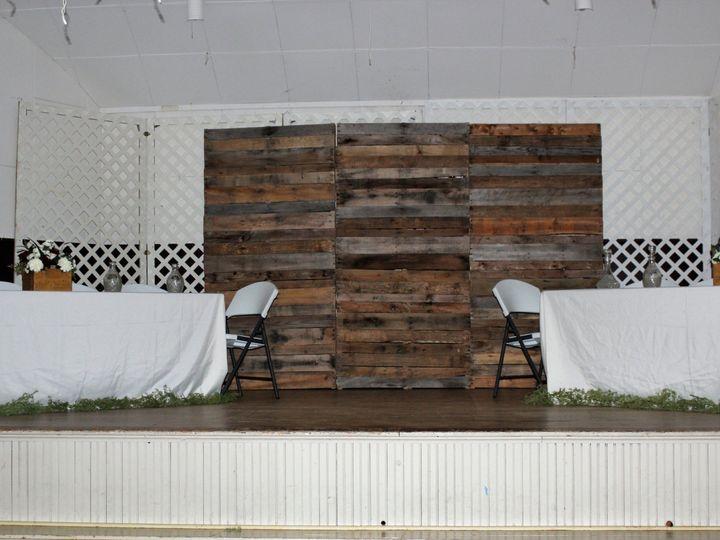 Tmx Pallet Backdrop 51 1891163 1573449880 Davenport, IA wedding rental