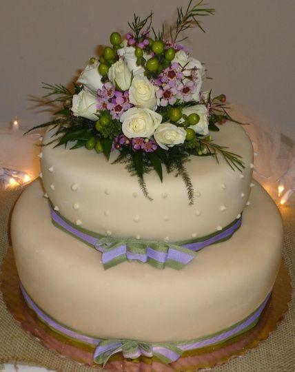 wedding cake live floral