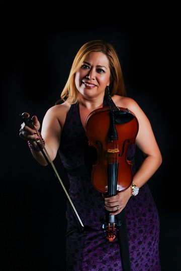 Smiling photo with the violin