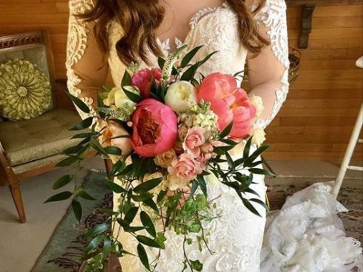 Tmx 1526020724 3d926dc85a9a0a2c 1526020723 61807404efda475c 1526020719137 3 Thyme5 South Haven wedding florist