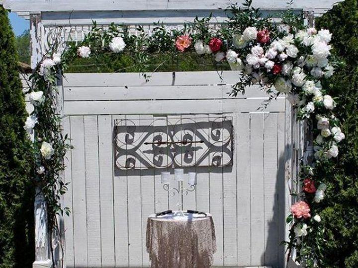 Tmx 1526020724 6a67fb29af449b28 1526020723 2ef169bc59846fb0 1526020719138 4 Tyhme6 South Haven wedding florist