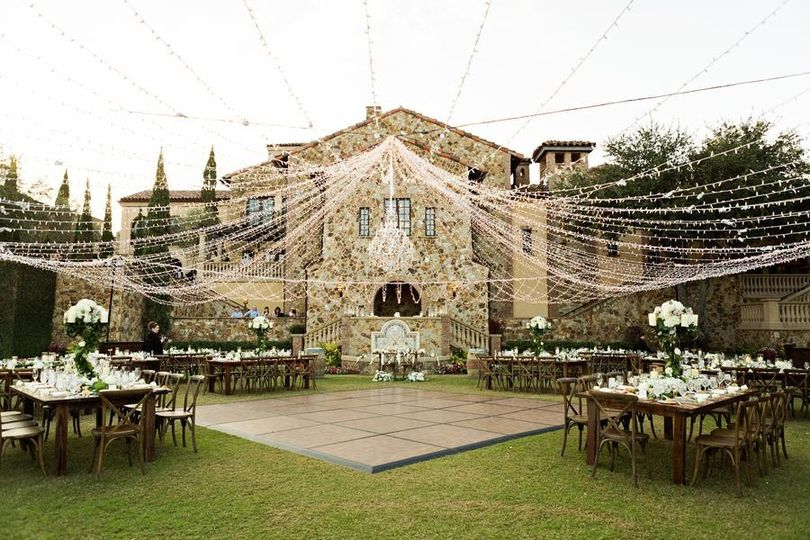 Stunning outdoor reception