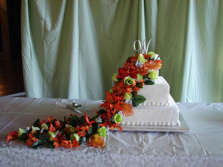 brandi carbaugh brian wise wedding cake at pen ma