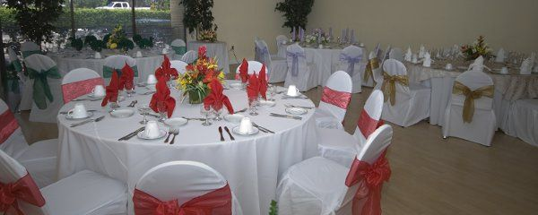 We can customize our settings to fit the color you have choosen for your wedding date.
