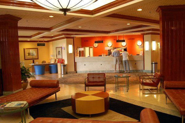 Lobby & Front Desk Area