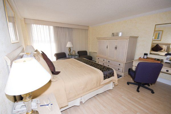 Special rates on rooms can be provided to your out of town guests.