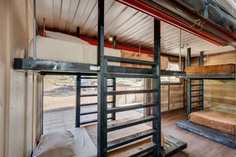Bunk cabin bunk beds