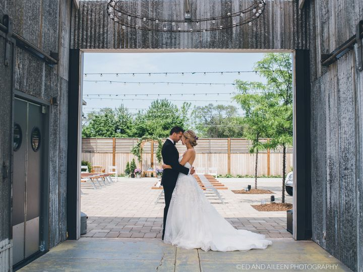Tmx 1526397692 1bd87801cfdba0ae 1526397688 57ecd182b09898f1 1526397673373 46 Ed And Aileen Pho Plainfield, IL wedding venue