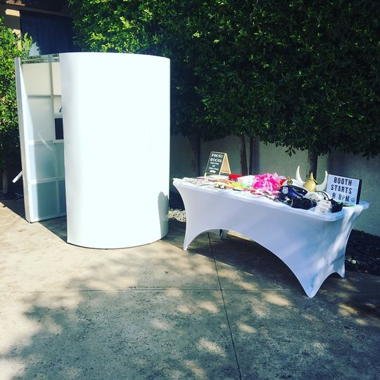 modern glam photo booth event rentals los angeles ca weddingwire