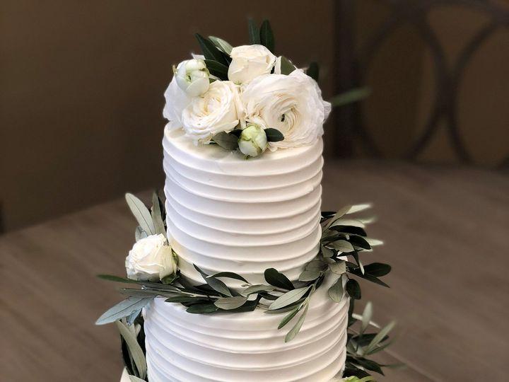 Tmx 1539215932 9cb6b86df88dbd7c 1539215930 87a26d21ba880777 1539215929055 20 Horizontal BC Napa, California wedding cake