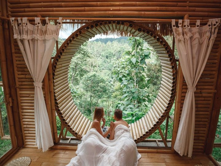 Tmx Indonesia Young Just Married Couple Relaxing At Luxury Villa With Beautiful View At The Mountains 1 51 1867263 1568409233 Mountain View, CA wedding travel