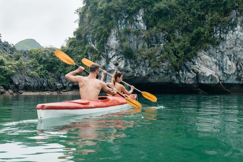vietnam couple paddle on kayak in halong bay 51 1867263 1568409233