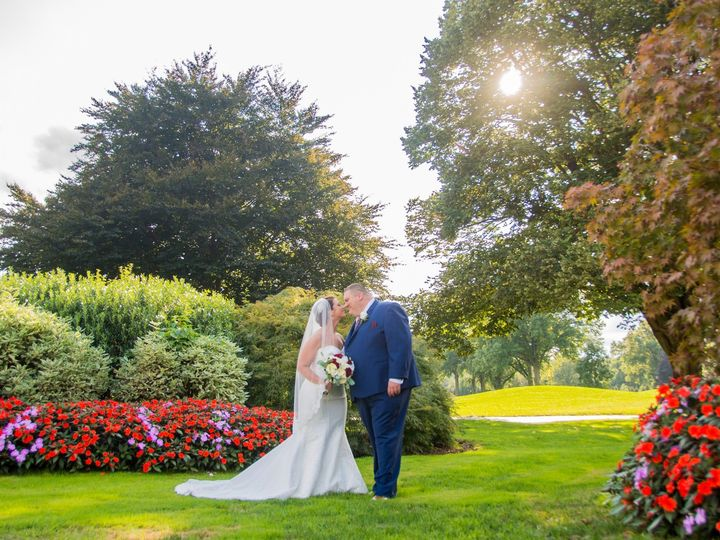 Tmx Foliage Bride And Groom 1 51 628263 1567194397 Clifton wedding venue