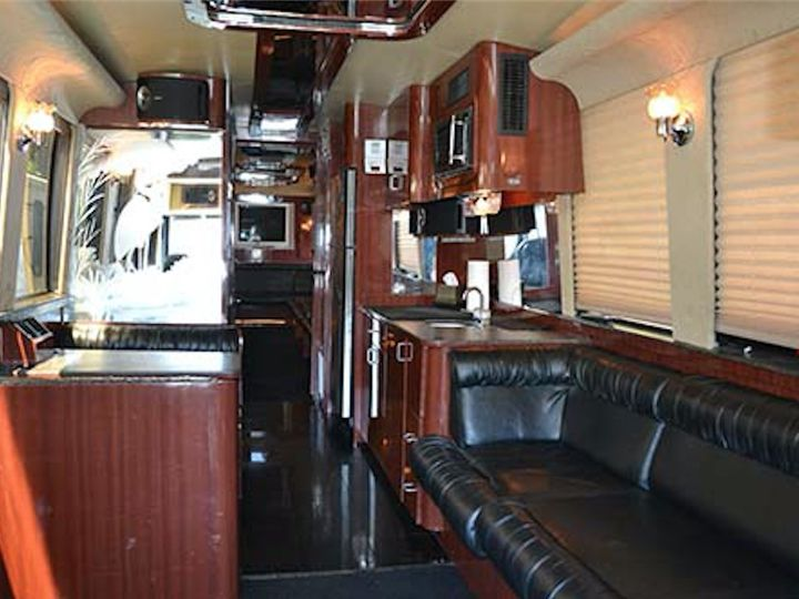 Tmx Xl Interior 2 51 1031363 Doylestown, PA wedding transportation