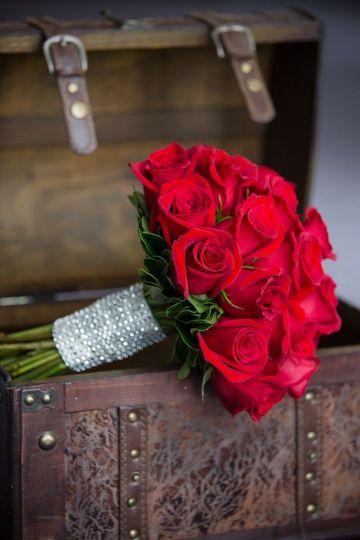 h j benken florist garden center reviews ratings wedding flowers ohio cincinnati. Black Bedroom Furniture Sets. Home Design Ideas